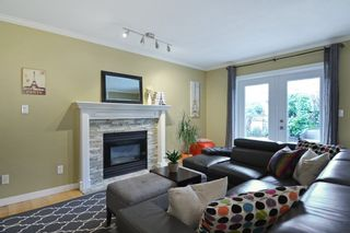 """Photo 7: 8407 215 Street in Langley: Walnut Grove House for sale in """"Forest Hills"""" : MLS®# R2159381"""