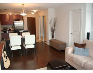 """Photo 4: 303 610 VICTORIA Street in New_Westminster: Downtown NW Condo for sale in """"THE POINT"""" (New Westminster)  : MLS®# V752924"""