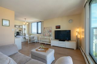 """Photo 13: 2001 1330 HARWOOD Street in Vancouver: West End VW Condo for sale in """"Westsea Towers"""" (Vancouver West)  : MLS®# R2481214"""