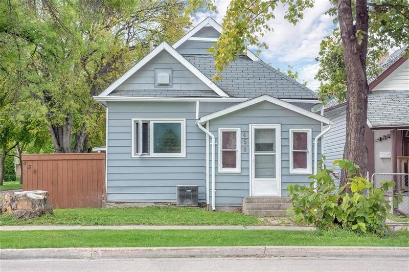 FEATURED LISTING: 450 McKenzie Street Winnipeg
