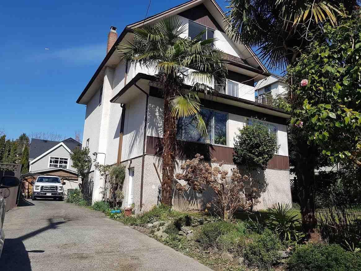 "Main Photo: 2375 W 7TH Avenue in Vancouver: Kitsilano House for sale in ""KITSILANO"" (Vancouver West)  : MLS®# R2280785"