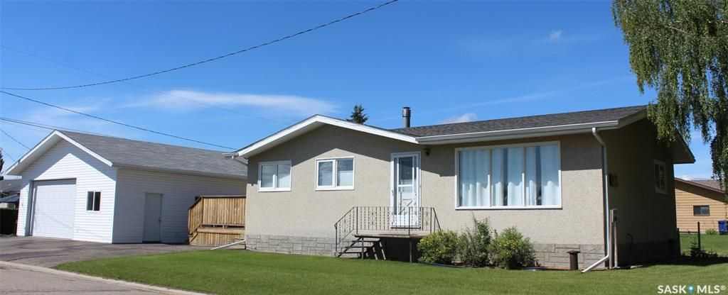 Main Photo: 513 3rd Street West in Wilkie: Residential for sale : MLS®# SK805777