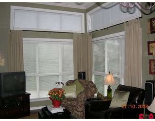 """Photo 5: 304 15342 20TH Avenue in Surrey: King George Corridor Condo for sale in """"STERLING PLACE"""" (South Surrey White Rock)  : MLS®# F2907256"""