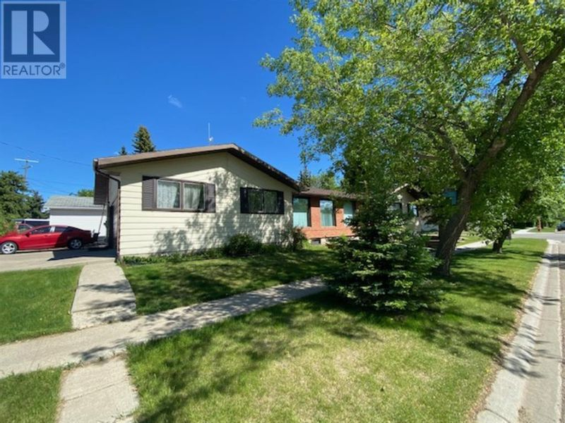 FEATURED LISTING: 5303 49 Street Provost