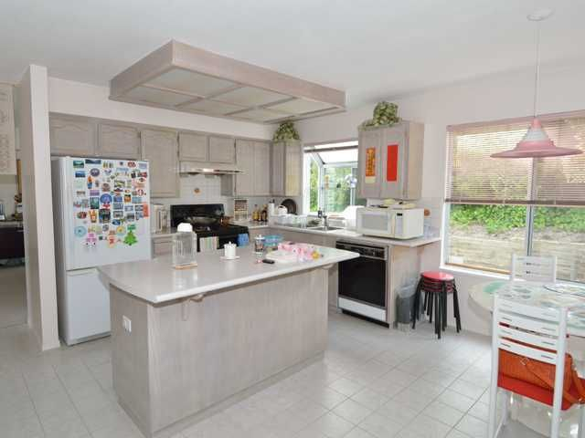 Photo 5: Photos: 284 BALBOA CT in Coquitlam: Cape Horn House for sale : MLS®# V1012990