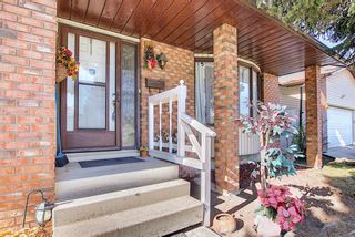 Photo 2: 3508 Fonda Way SE in Calgary: Forest Heights Detached for sale : MLS®# A1108307