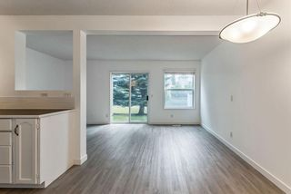 Photo 6: 56 Somervale Park SW in Calgary: Somerset Row/Townhouse for sale : MLS®# A1140021