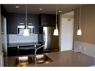 """Photo 4: 1504 2959 GLEN Drive in Coquitlam: North Coquitlam Condo for sale in """"THE PARK"""" : MLS®# V842034"""
