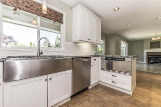 Photo 5: 511 COTTONWOOD Avenue: Harrison Hot Springs House for sale : MLS®# R2353509
