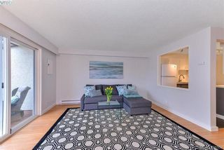 Photo 2: 8 954 Queens Ave in VICTORIA: Vi Central Park Row/Townhouse for sale (Victoria)  : MLS®# 780769