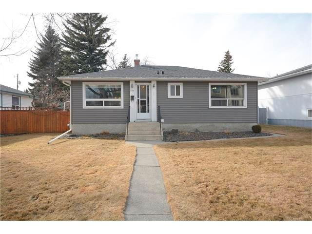 Main Photo: 2519 18 Street NW in Calgary: Capitol Hill House for sale : MLS®# C4052678