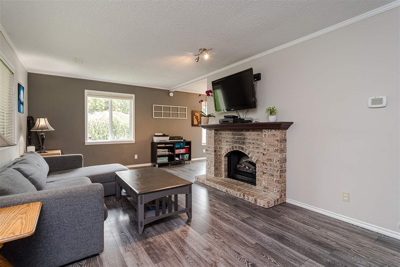 Main Photo: 32253 SWIFT Drive in Mission: Mission BC House for sale : MLS®# R2509272