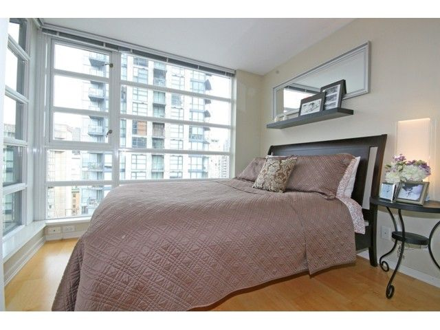 """Photo 7: Photos: 1402 1199 SEYMOUR Street in Vancouver: Downtown VW Condo for sale in """"BRAVA"""" (Vancouver West)  : MLS®# V877625"""