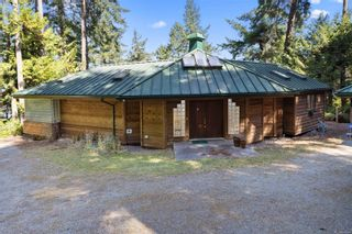 Photo 1: 9844 Canal Rd in : GI Pender Island House for sale (Gulf Islands)  : MLS®# 884964