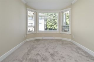 """Photo 12: 304 1459 BLACKWOOD Street: White Rock Condo for sale in """"CHARTWELL"""" (South Surrey White Rock)  : MLS®# R2393628"""