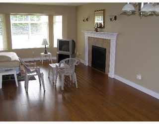 """Photo 4: 507 SHAW Road in Gibsons: Gibsons & Area House for sale in """"W"""" (Sunshine Coast)  : MLS®# V580770"""