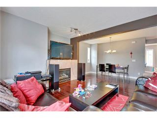 Photo 5: 485 REGAL Park NE in Calgary: Renfrew House for sale : MLS®# C4054318