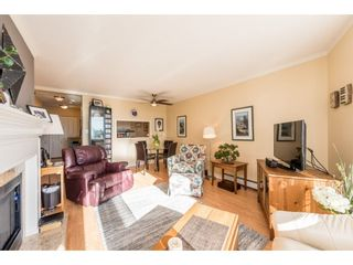 """Photo 2: 611 15111 RUSSELL Avenue: White Rock Condo for sale in """"Pacific Terrace"""" (South Surrey White Rock)  : MLS®# R2204844"""