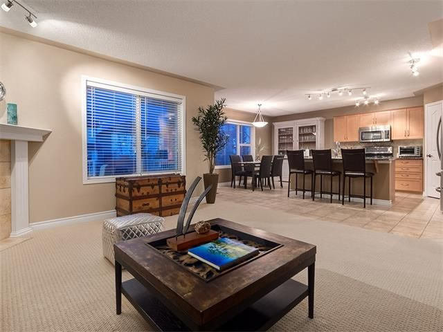 Photo 17: Photos: 40 COUGARSTONE Manor SW in Calgary: Cougar Ridge House for sale : MLS®# C4087798
