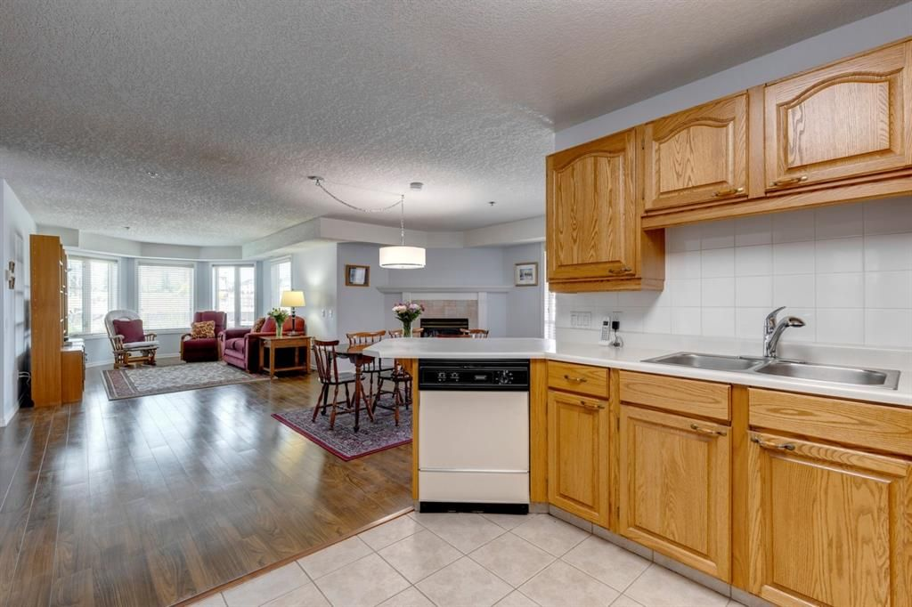Photo 3: Photos: 1222 1818 Simcoe Boulevard SW in Calgary: Signal Hill Apartment for sale : MLS®# A1130769