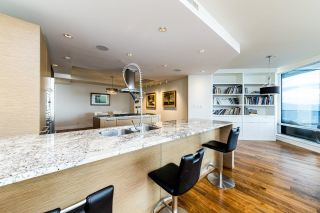 Photo 3: 4301 1111 ALBERNI Street in Vancouver: West End VW Condo for sale (Vancouver West)  : MLS®# R2608664