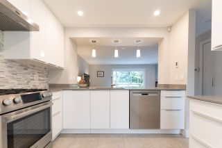 """Photo 3: 282A EVERGREEN Drive in Port Moody: College Park PM Townhouse for sale in """"Evergreen"""" : MLS®# R2570178"""