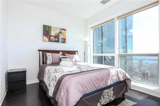 Photo 17: 386 Yonge St Unit #5711 in Toronto: Bay Street Corridor Condo for sale (Toronto C01)  : MLS®# C3611063