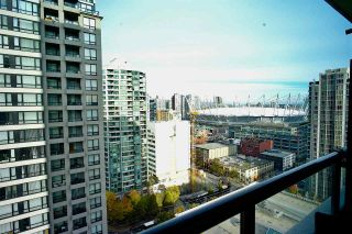 """Photo 8: 2203 977 MAINLAND Street in Vancouver: Yaletown Condo for sale in """"Yaletown Park III"""" (Vancouver West)  : MLS®# R2312985"""