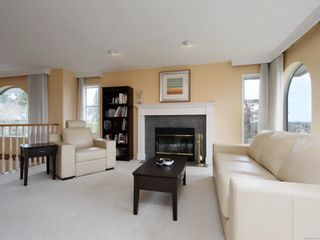 Photo 3: 2521 Emmy Pl in : CS Tanner House for sale (Central Saanich)  : MLS®# 871496