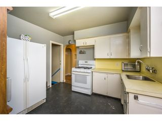 Photo 8: 6478 CLINTON Street in Burnaby: South Slope House for sale (Burnaby South)  : MLS®# R2125694