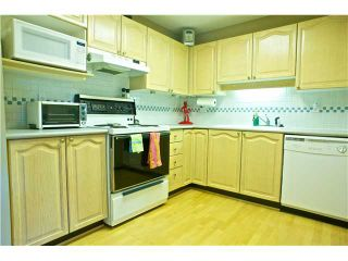 "Photo 3: 312 6707 SOUTHPOINT Drive in Burnaby: South Slope Condo for sale in ""MISSIN WOODS"" (Burnaby South)  : MLS®# V865151"