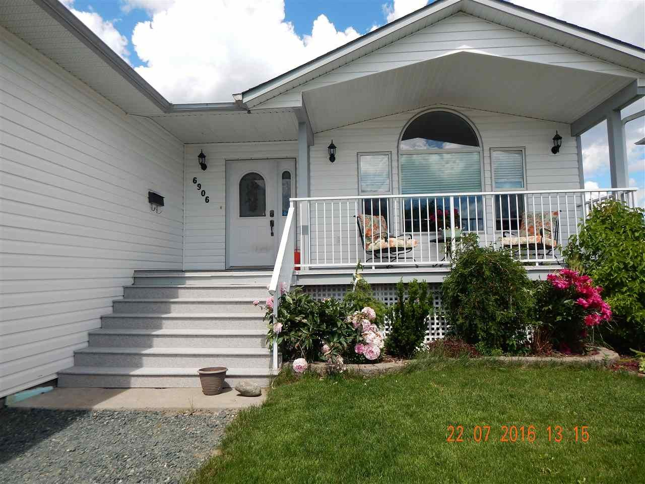 Photo 2: Photos: 6906 CHARTWELL Crescent in Prince George: Lafreniere House for sale (PG City South (Zone 74))  : MLS®# R2163199