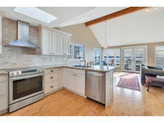 "Photo 11: 14591 GORDON Avenue: White Rock House for sale in ""West side Hillside"" (South Surrey White Rock)  : MLS®# R2543220"