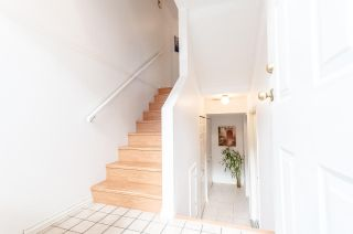 """Photo 2: 8 8751 BENNETT Road in Richmond: Brighouse South Townhouse for sale in """"BENNET COURT"""" : MLS®# R2207228"""