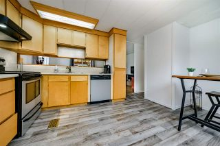 """Photo 12: 117 145 KING EDWARD Street in Coquitlam: Maillardville Manufactured Home for sale in """"MILL CREEK VILLAGE"""" : MLS®# R2408548"""