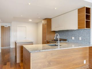 """Photo 22: 204 4375 W 10TH Avenue in Vancouver: Point Grey Condo for sale in """"The Varsity"""" (Vancouver West)  : MLS®# R2552003"""