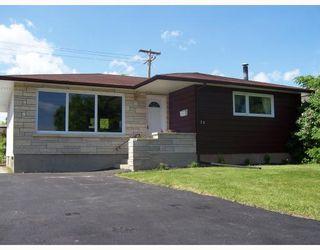 Photo 1: 32 MACAULAY Place in WINNIPEG: North Kildonan Residential for sale (North East Winnipeg)  : MLS®# 2810792