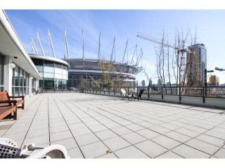 Photo 2: 2505 939 Expo Boulevard in Vancouver: Yaletown Condo for sale (Vancouver West)  : MLS®# R2081999