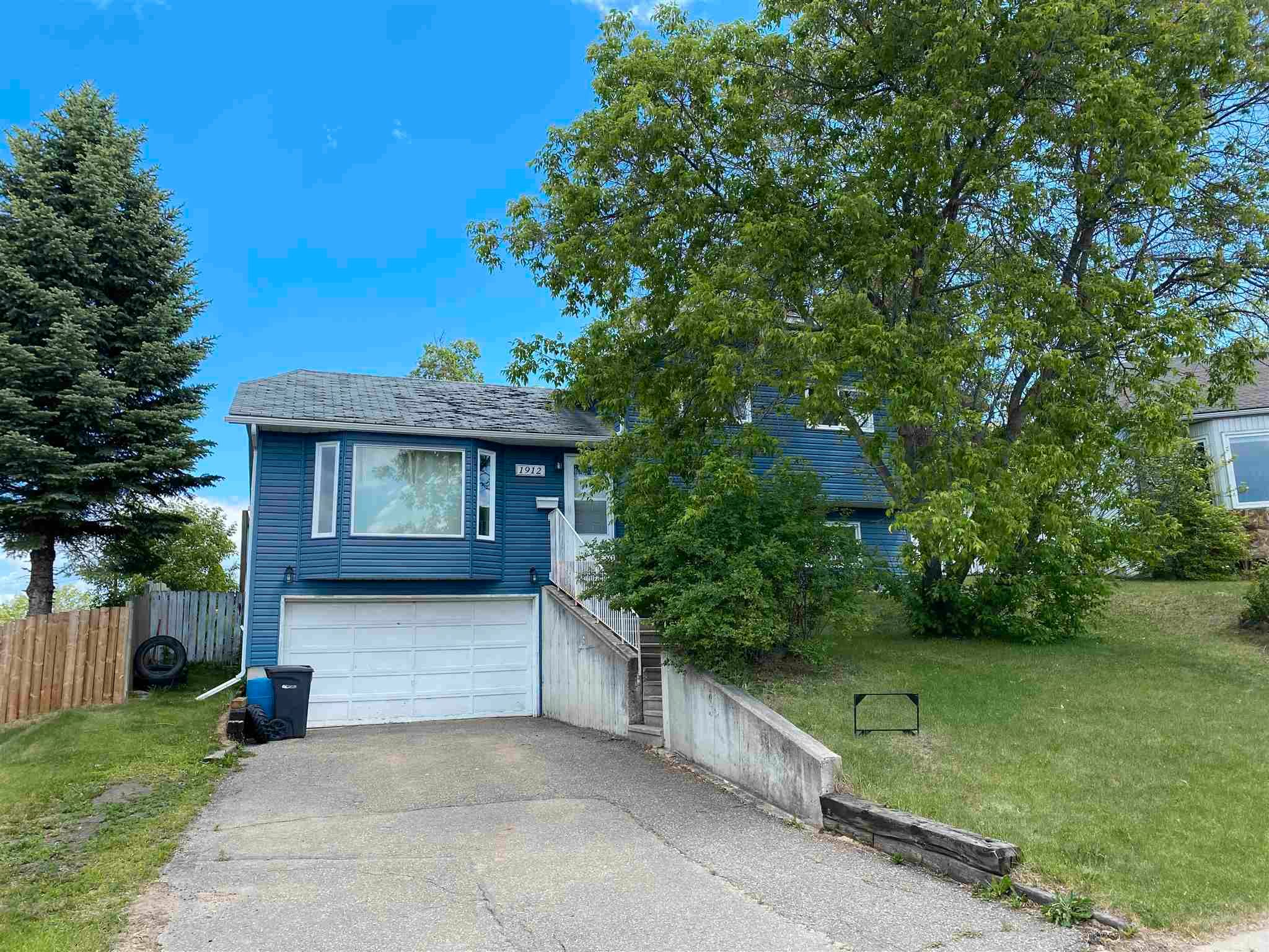 Main Photo: 1912 Forest Drive: Cold Lake House for sale : MLS®# E4231998