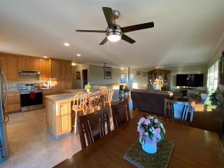 Photo 3: 13 BORLAND Drive: 150 Mile House House for sale (Williams Lake (Zone 27))  : MLS®# R2573415