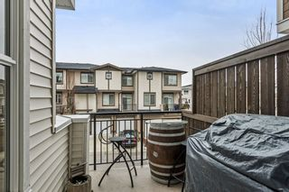 """Photo 6: 29 19433 68 Avenue in Surrey: Clayton Townhouse for sale in """"THE GROVE"""" (Cloverdale)  : MLS®# R2239745"""