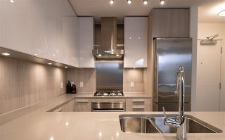 """Photo 14: 1908 3007 GLEN Drive in Coquitlam: North Coquitlam Condo for sale in """"EVERGREEN BY BOSA"""" : MLS®# R2131951"""