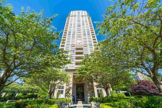 """Photo 3: 306 4333 CENTRAL Boulevard in Burnaby: Metrotown Condo for sale in """"PRESIDIA"""" (Burnaby South)  : MLS®# R2480001"""