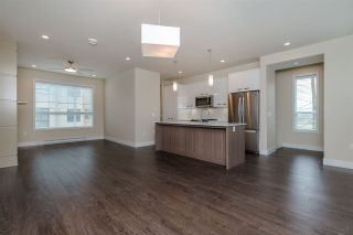 """Photo 7: 17 1968 N PARALLEL Road in Abbotsford: Abbotsford East Townhouse for sale in """"Parallel North"""" : MLS®# R2173432"""