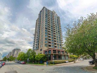 """Photo 2: 1803 1 RENAISSANCE Square in New Westminster: Quay Condo for sale in """"The Q"""" : MLS®# R2579604"""