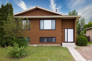 Photo 1: 1910 McKercher Drive in Saskatoon: Lakeview SA Residential for sale : MLS®# SK859303