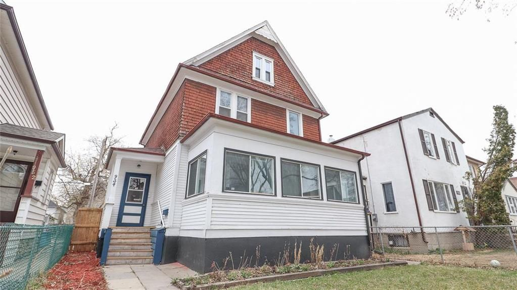 Main Photo: 934 Banning Street in Winnipeg: Sargent Park Residential for sale (5C)  : MLS®# 202110533