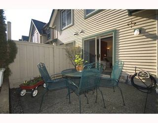 """Photo 10: 11 222 E 5TH Street in North_Vancouver: Lower Lonsdale Townhouse for sale in """"BURHAM COURT"""" (North Vancouver)  : MLS®# V698484"""
