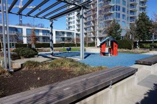 """Photo 13: 1306 5233 GILBERT Road in Richmond: Brighouse Condo for sale in """"ONE RIVER PARK PLACE"""" : MLS®# R2558926"""