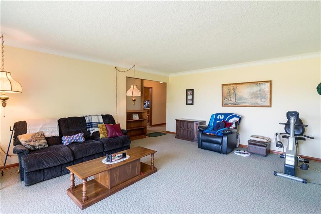 Photo 9: Photos: 6040 PTH 2 . Highway in Oak Bluff: RM of MacDonald Residential for sale (R08)  : MLS®# 202021001